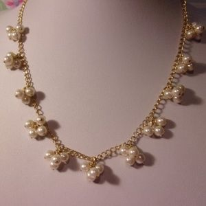 Avon Faux Pearl Cluster Gold Tone Chain Necklace